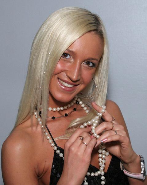 Фото №3 - 50 оттенков Бузовой: в какие цвета Оля красила волосы и какие ей правда идут