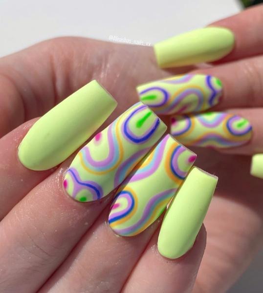 Фото №5 - Неоновый маникюр: 8 самых крутых дизайнов для длинных ногтей