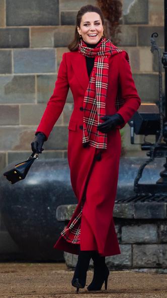 Фото №3 - Отложенный тренд: самая необычная модная привычка герцогини Кейт