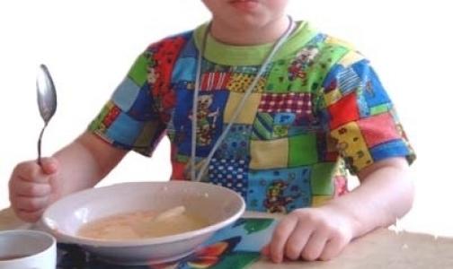 Фото №1 - В детском саду Фрунзенского района детей недокармливали и плохо мыли посуду