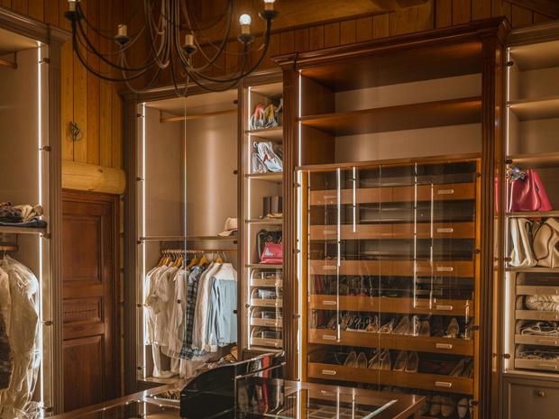 Фото №2 - Идеальная гардеробная: как обустроить комнату мечты