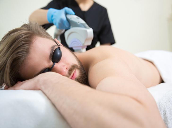 Фото №3 - 7 отличий мужской эпиляции от женской, или Как (и зачем) отправлять партнера в салон