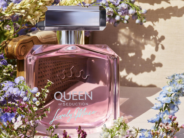 Фото №1 - Аромат дня: Queen of Seduction Lively Muse от Antonio Banderas Perfumes