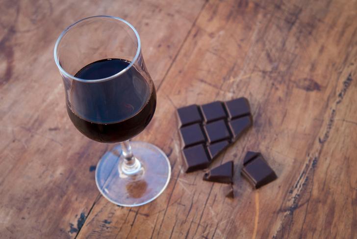 Фото №1 - Расстройства психики можно лечить при помощи красного вина