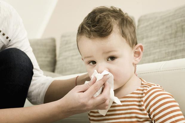 Как приготовить солевой раствор для промывания носа в домашних условиях