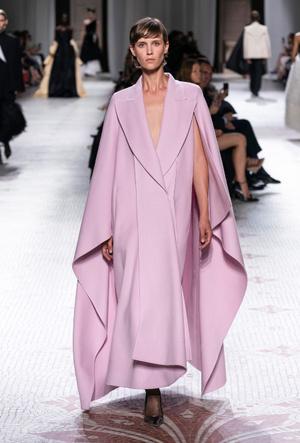 Фото №4 - Когда подруга – дизайнер: лучшие образы герцогини Меган в Givenchy