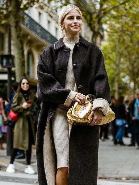 Фото №1 - Базовый гардероб на осень 2021-го: дизайнер Андрей Волконский назвал 8 вещей