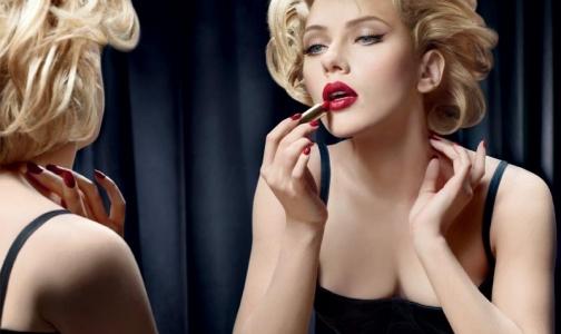 Фото №1 - Косметика влияет на психику 50% женщин