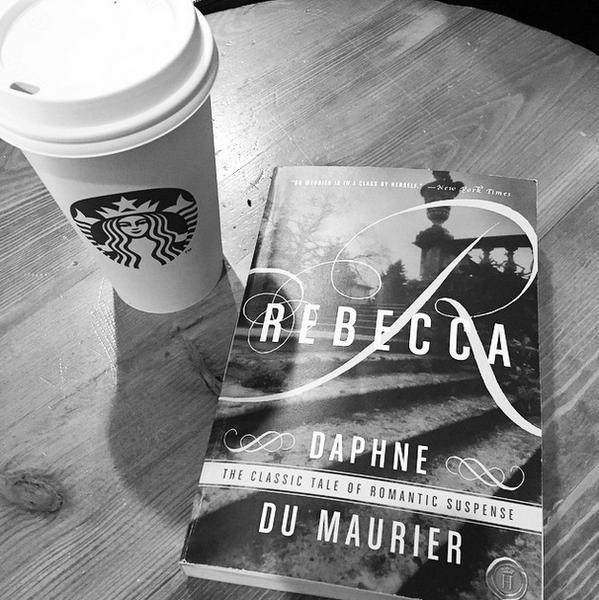 Фото №9 - Звездный Instagram: Знаменитости и книги