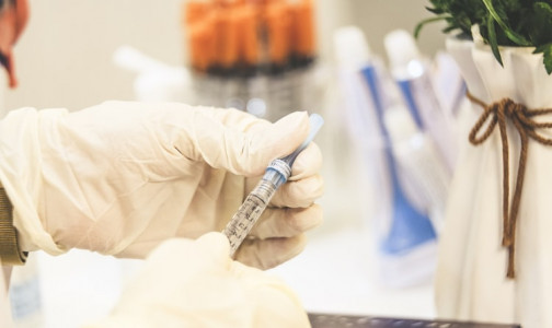 Фото №1 - «Дикий жор вторые сутки»: что нужно знать об убитой вакцине «КовиВак» - реальные отзывы