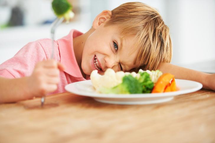 Фото №2 - 10 фраз из нашего детства, которые не стоит говорить ребенку