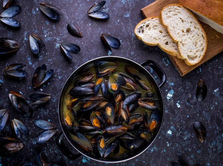 Фото №6 - Море зовет: мидии в томатном соусе и кальмар с чесноком