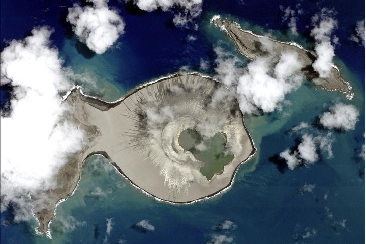 Фото №1 - Когда был открыт последний необитаемый остров?