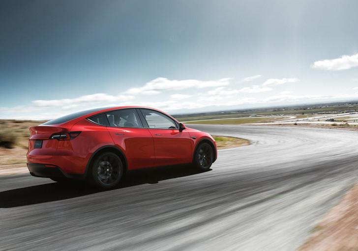 Фото №1 - Tesla наконец-то выходит на российский рынок