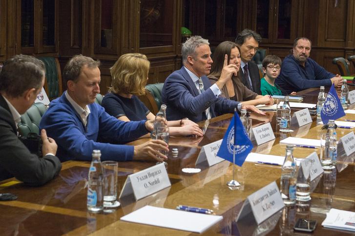 Фото №2 - В московской штаб-квартире РГО состоялась встреча Артура Чилингарова и Льюиса Пью