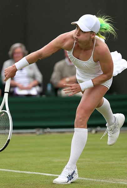 Фото №12 - Хулиганы Уимблдона: кто из теннисистов (и как) нарушал «белый» дресс-код турнира