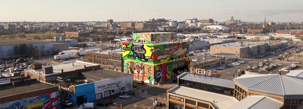 Фото №6 - Стеклянный дом с граффити в Детройте