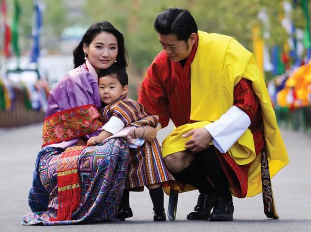 Фото №4 - От знакомства до кольца: сколько нужно ждать, чтобы выйти замуж за принца