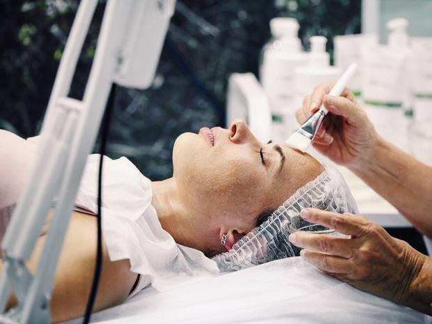 Фото №3 - Косметолог назвала 10 процедур, на которые точно не пойдет сама
