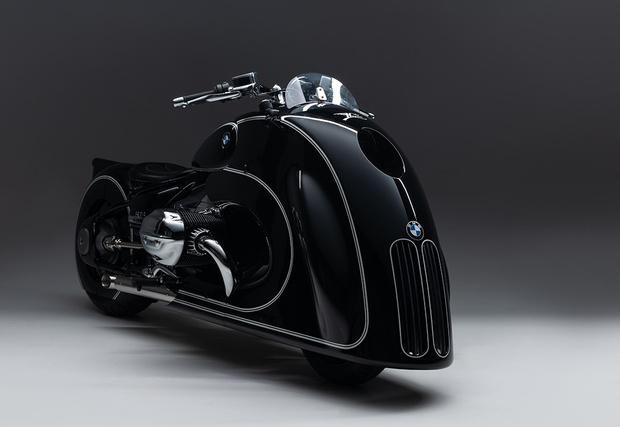 Фото №1 - «Ваш байк подан, лорд Вейдер!»— кастомный BMW R18, который круче светового меча