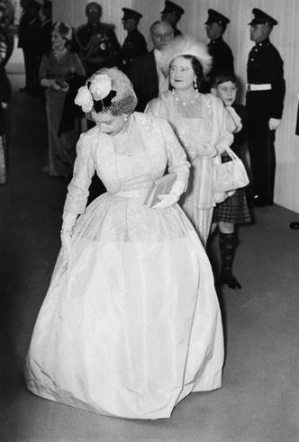 Фото №5 - Секреты Короны: как королева-мать помогала Маргарет скрывать ее тайный роман