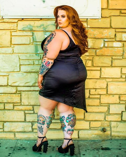 Фото №5 - Уплывают расписные: стираем татуировки с самых «забитых» селебрити