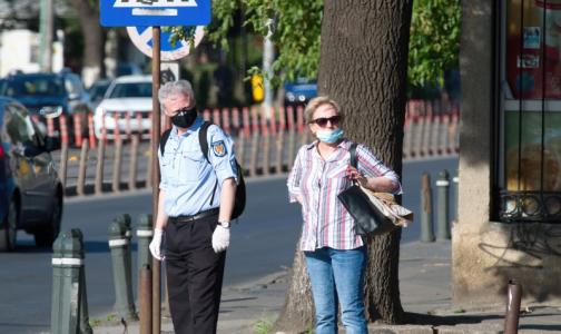 Фото №1 - Лео Бокерия призвал разрешить прогулки для пожилых россиян