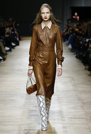 Фото №28 - Полный гид по самым модным платьям для холодного сезона 2018-19