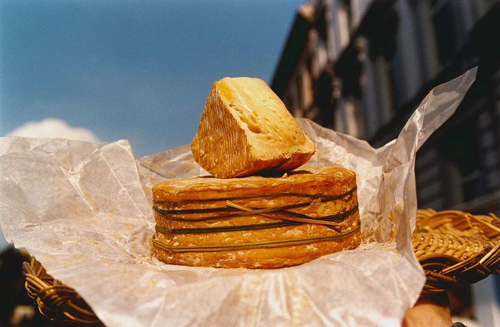 Фото №8 - Любить вопреки: 8 самых пахучих сыров в мире