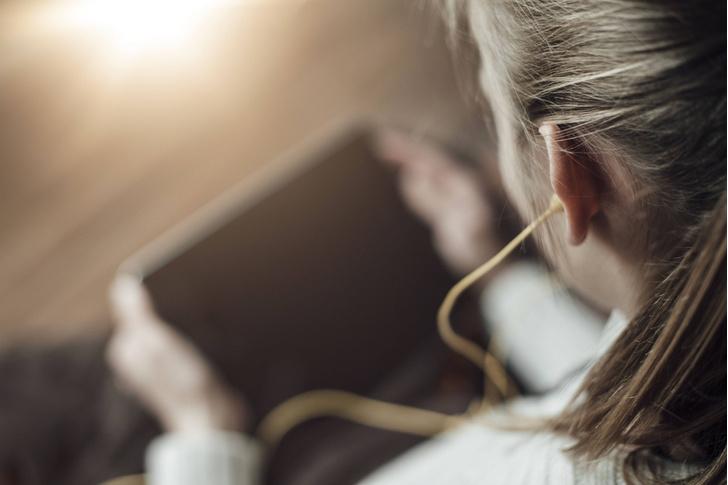 Фото №1 - Психологи объяснили эффект грустной музыки