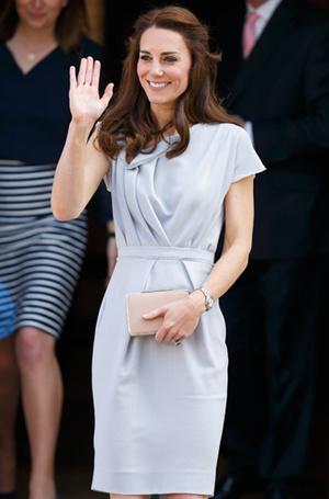 Фото №32 - Королевский дресс-код: любимые сумки герцогини Кембриджской