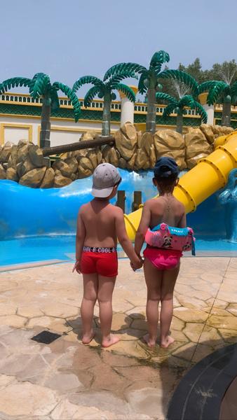 Фото №1 - «Это рай на Земле!»: Вячеслав Манучаров с тремя детьми отдохнул в роскошном отеле Дубая