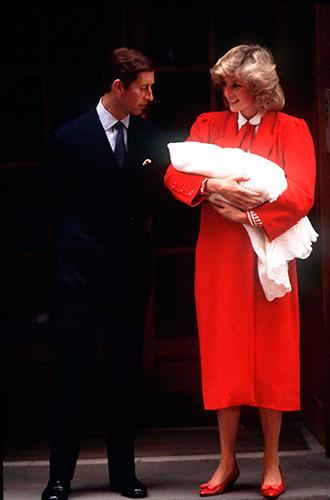 Фото №47 - 60 красных нарядов: как принцесса Диана носила любимый цвет