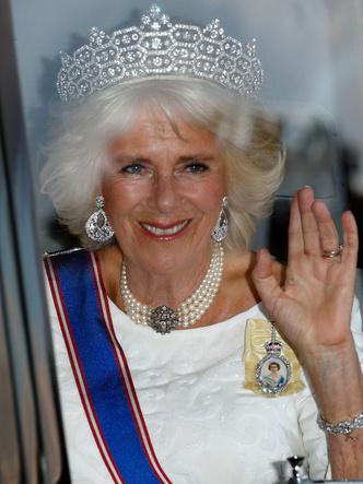 Фото №23 - Шкатулка будущей королевы: любимые украшения герцогини Камиллы