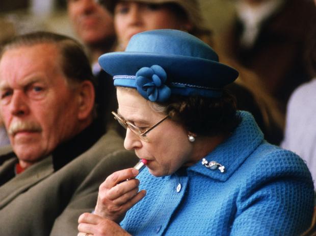 Фото №2 - 9 вдохновляющих фактов о губной помаде