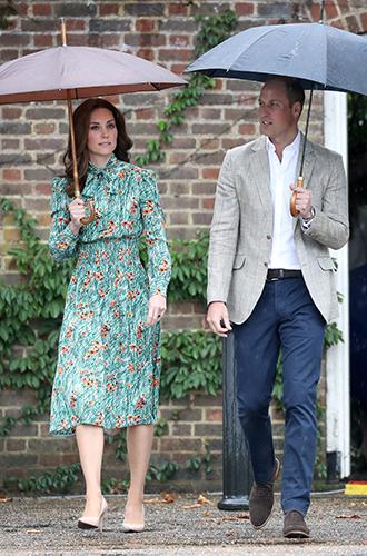Фото №8 - Из простолюдинок в аристократки: как Кейт Миддлтон изменилась за 10 лет рядом с Королевой
