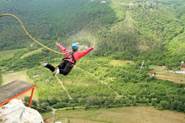 Роупджампинг: прыжки с высоты на веревке