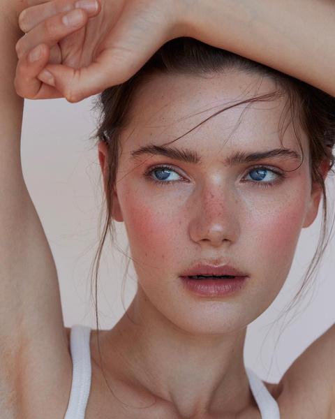 Фото №7 - Как краситься летом: тренды в макияже 2021