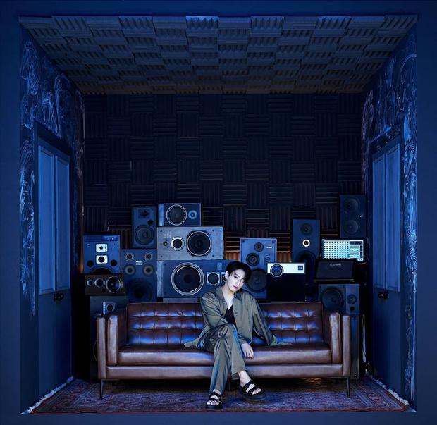 Фото №2 - Скорее смотри: Чонгук из BTS показал свою комнату