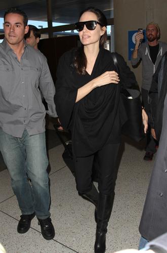 Фото №4 - Что общего у Нери Оксман и Анджелины Джоли?