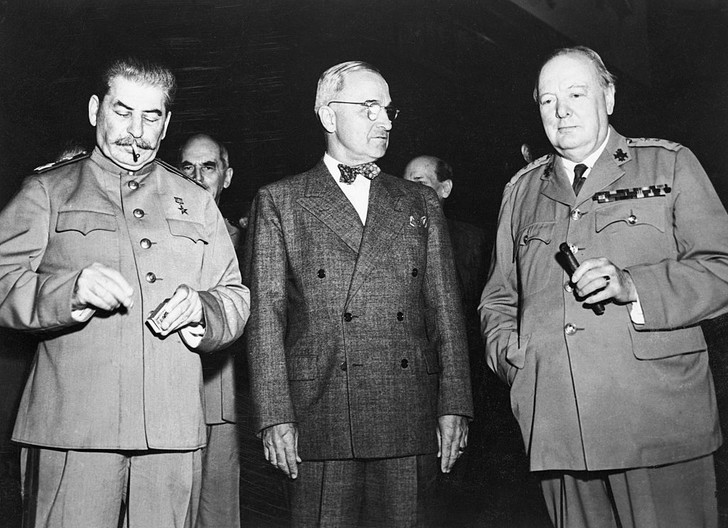 Фото №1 - Решено в Потсдаме: как прошла последняя официальная встреча «большой тройки»
