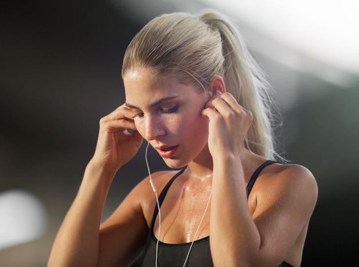 Фото №1 - Как совмещать тренировки и уход за кожей: 7 главных правил
