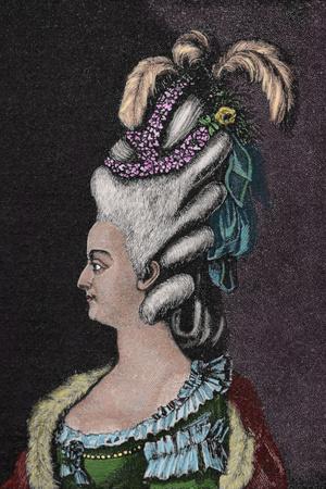 Фото №7 - Вся надежда на парфюм: 5 красавиц-королев, которые ненавидели мыться
