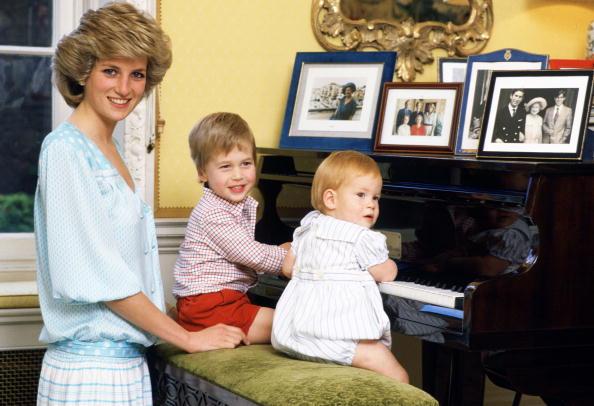 Леди Диана, 60 лет, юбилей, принц Уильям в детстве, принц Гарри в детстве, факты о Леди Диане, методы воспитания Леди Дианы