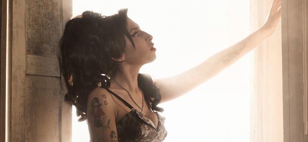 Фото №18 - Эми Уайнхаус навсегда: почему весь мир боготворит стиль британской певицы