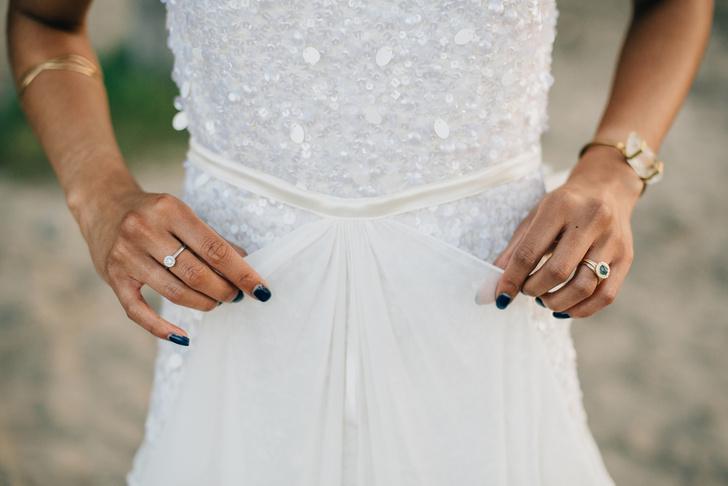 Фото №2 - Уронить кольцо – к измене: полное собрание свадебных примет