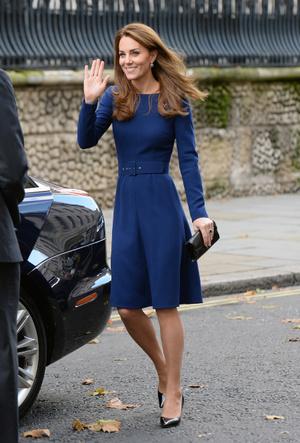 Фото №6 - Королевская палитра: как монаршие особы носят синий цвет