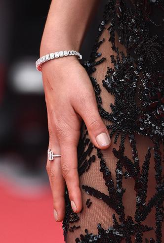Фото №25 - Модные Канны-2018: самые яркие звездные образы восьмого дня кинофестиваля