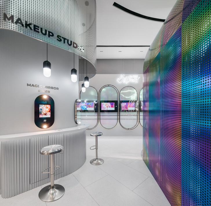 Фото №9 - Интерактивный магазин косметики в Китае