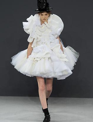 Фото №2 - В деталях: лучшие свадебные платья haute couture осень/зима 2016